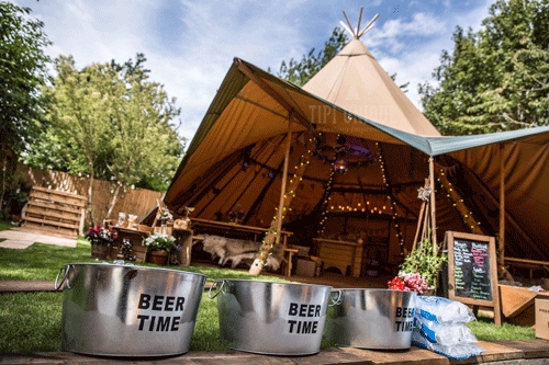 Garden-tipi-wedding