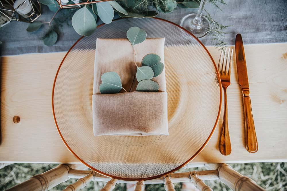 Plate & Leaves