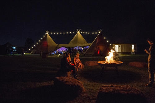 The-tipis-by-night