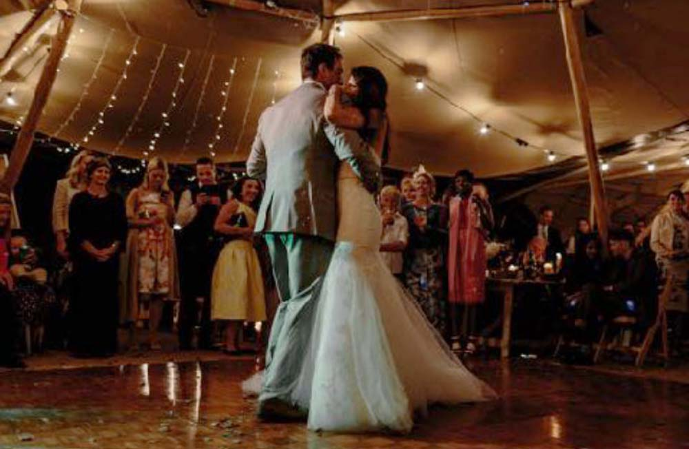 Tipi-wedding-dance